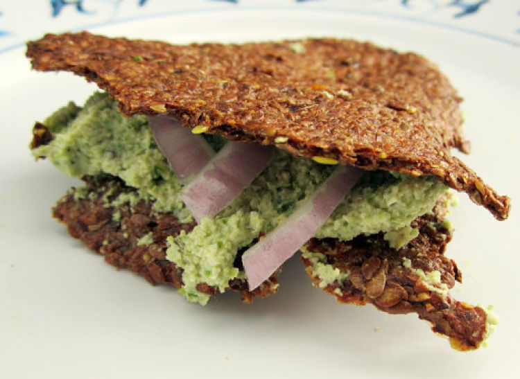 Raw Flaxseed Crackers - delicious and highly nutritious