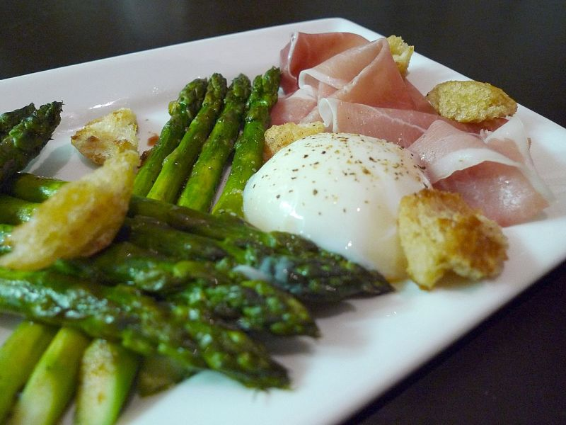 Simple steamed asparagus pairs well with many meat dishes, eggs and cheese