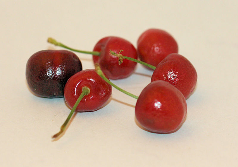 Delightful fresh cherries have many health benefits