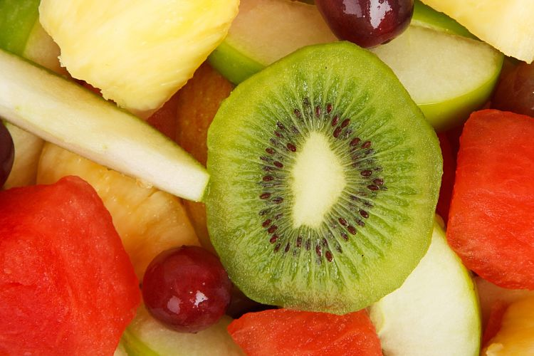 Kiwi fruit slices can be added to a wide variety of pies and desserts