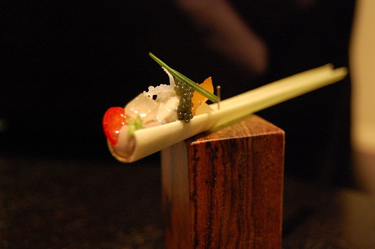Lemongrass can be used for making delightful entrees by stuffing caviar and other ingredients in the hollow stalks